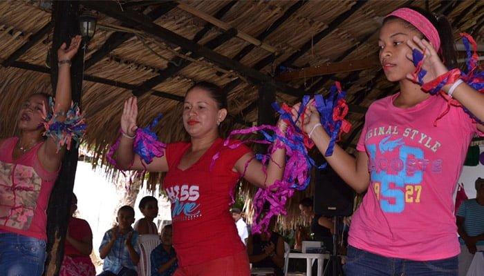 Estudiantes celebran Semana Cultural en Cereté