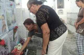 Cereteanos recuerdan a sus seres queridos