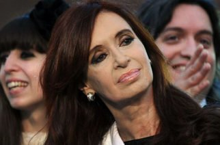 """Juez determina detención preventiva contra expresidenta de Argentina por """"traición a la patria"""" y """"encubrimiento agravado"""""""