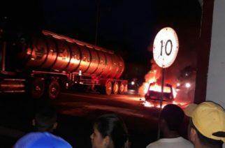 Se incendia vehículo que cubría la ruta Tarazá-Caucasia