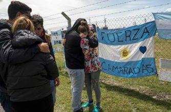 Gobierno argentino anunció que los 44 tripulantes del submarino desaparecido están muertos