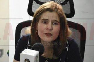 Ordenan arresto contra la gobernadora (e) Sandra Devia y 16 millones de multa