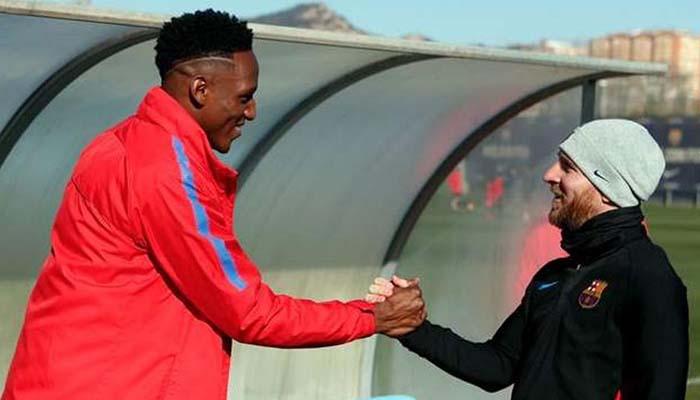 Messi recibió a Yerry Mina en el Barcelona