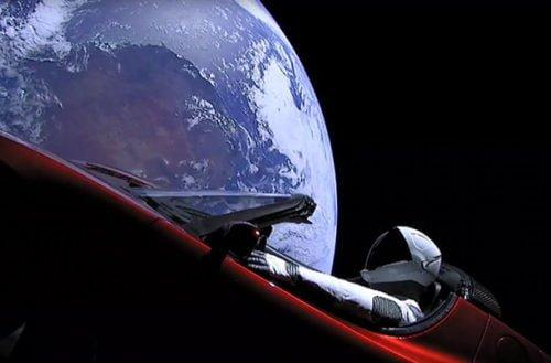 Falcon Heavy y el auto de Tesla ya están en el espacio