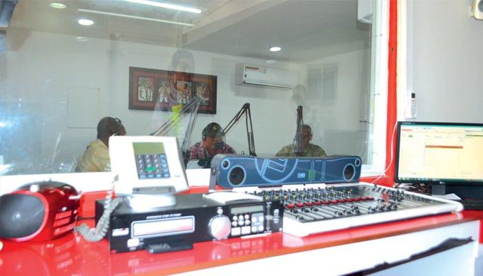 La radio, periodismo y mensajería