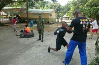 Liga de Boxeo del Ejército Nacional realizaron encuentro deportivo con jóvenes monterianos