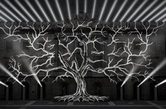"""""""El Árbol de la Memoria"""" recuerda a víctimas del bombardeo en Barcelona"""