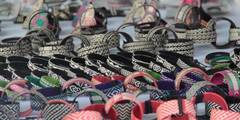 El parque Simón Bolívar se prepara para recibir a artesanos y dulceros en la Semana Mayor