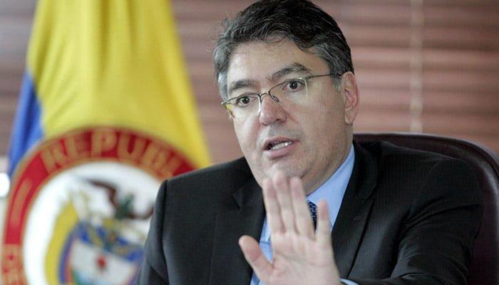Ministro Cárdenas cierra su gestión garantizando financiamiento externo del Gobierno