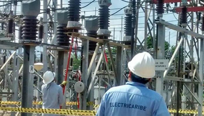 Trabajos preventivos en redes eléctricas de Lorica este martes 22 de enero