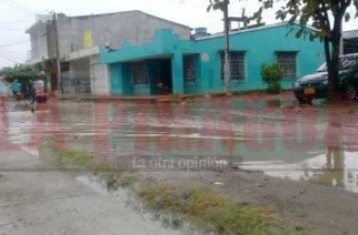 Aguacero dejó al barrio El Alivio, en Montería hundido en charcos