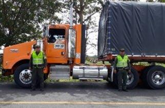 Recuperan tractocamión robado en Bogotá