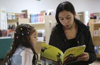 """Biblioteca de Montería entre las representantes de la campaña """"Leer es mi cuento"""""""