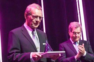 """Físico Finlandés gana """"Nobel de Tecnología"""""""