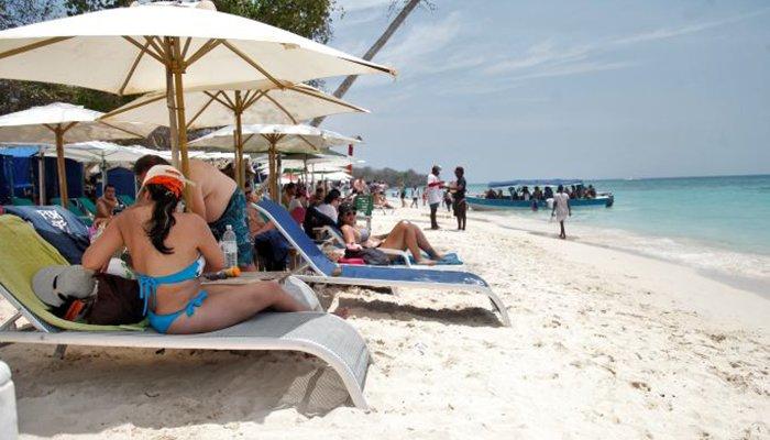 Cerrada Playa Blanca en Cartagena por problemas ambientales