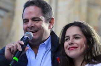 Video: Tremenda 'mechoneada' a la hija de Vargas Lleras cuando iba a votar