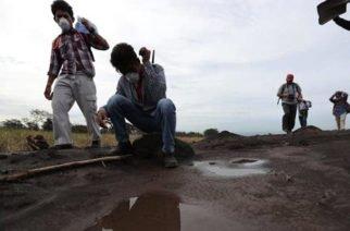 Sigue la alerta en Guatemala por desprendimiento de material volcánico