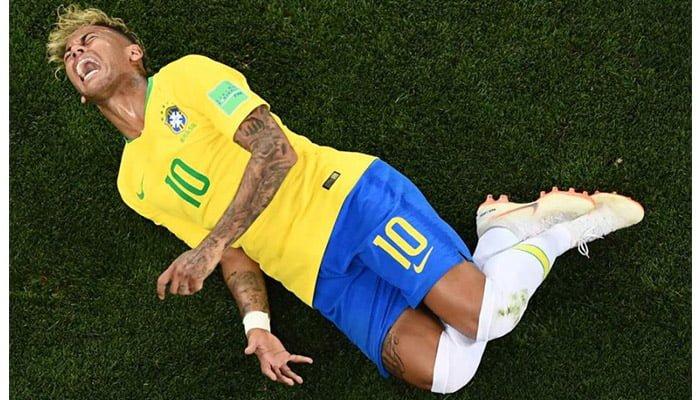 #NeymarChallenge se toma las redes sociales