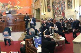 ¡Exigió silencio! Antanas Mockus se bajó el pantalón durante instalación del nuevo Congreso