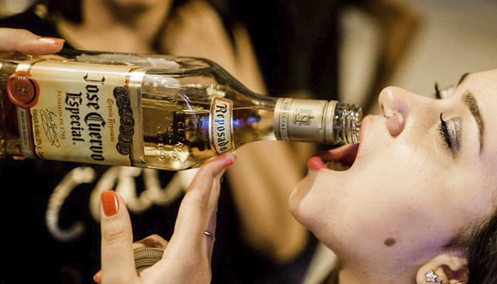 Se puede prevenir la osteoporosis consumiendo tequila