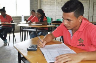 Los aprendices del SENA reciben formación integral en el saber y el hacer
