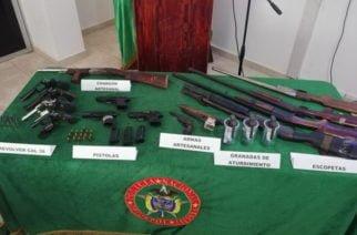 Policía incauta 14 armas de fuego y tres granadas en Córdoba