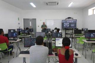 Proyecto Poeta YouthSpark genera oportunidades económicas en jóvenes