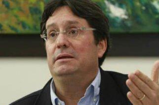 Duque le baja el tono a declaraciones del embajador Francisco Santos