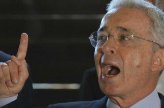 """""""No hay que moverlas hacia la frontera sino hacia Miraflores"""": Uribe sobre tropas venezolanas"""
