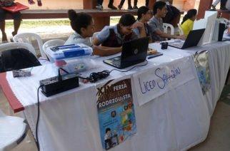 Estudiantes en Sahagún aprovechan feria de talento para exponer problemas del municipio