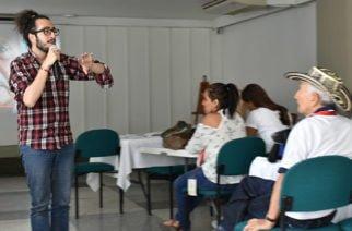 """Periodistas de Córdoba asistieron al taller """"Decir la Guerra para Vivir la Paz"""""""