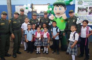 Con actividades lúdicas Policía de Montería da la bienvenida a estudiantes