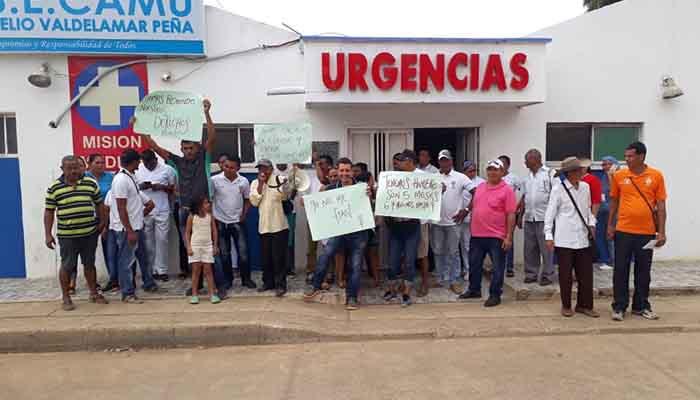 Empleados del CAMU de Puerto Escondido en crisis