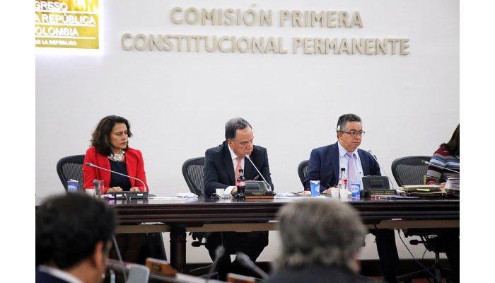 Reforma política aprobada en primer debate