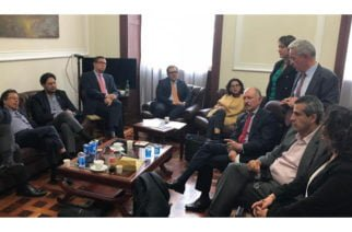Uribe, Petro y Cepeda se reunieron para hablar del proceso de paz