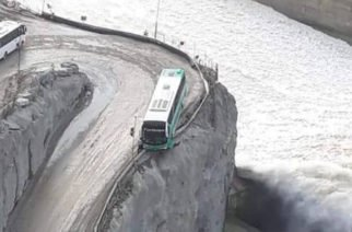 Autobús estuvo a punto de caer a vertedero de Hidroituango (VIDEO)