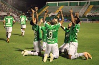 Chapecoense sigue luchando por sobrevivir en la primera división de Brasil