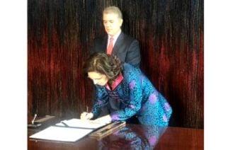Viviane Morales tomó posesión como embajadora de Francia