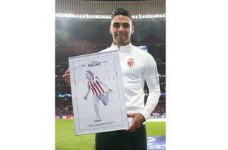 La ovación a Falcao por hinchas del Atlético en la Champions