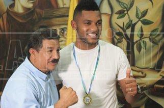 Borja recibió medalla al Mérito Deportivo en la Asamblea de Córdoba