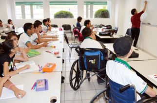 Corte Constitucional ordena que niños con discapacidad sean admitidos en colegios ordinarios