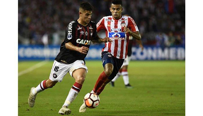 Junior botó penal y no aprovechó en casa frente a Paranaense