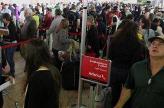 Los colombianos tendrán que pagar IVA para viajar al exterior