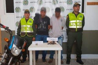 Policía captura dos hombres por porte ilegal de arma en vía Lorica-San Antero