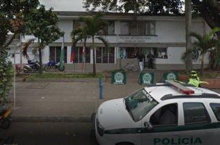 Se estaban volando de la estación de Policía por el techo y se cayeron al cuarto de detenidos