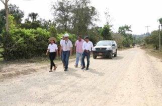 Trabajos de mejoramiento en la vía Santa Lucía- Moñitos fueron supervisados por Invías