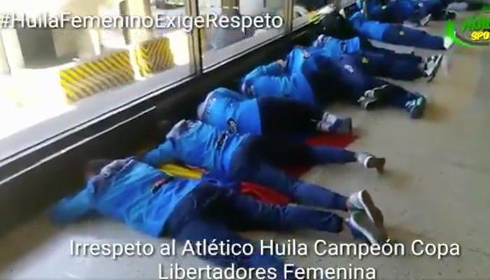 """""""Que falta de respeto. Conmebol recoge pero no da"""": Vélez sobre trato a jugadoras del Huila"""