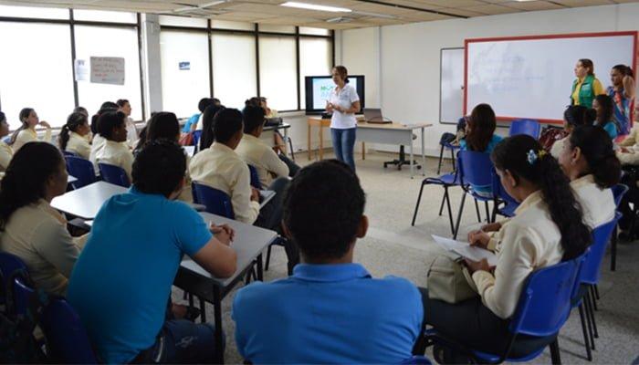 Colegios públicos continúan articulación con el SENA