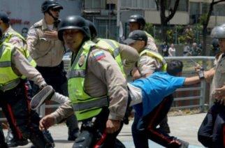 Gobierno de Maduro estaría reclutando jóvenes a la fuerza para usarlos como 'escudo' ante un eventual golpe