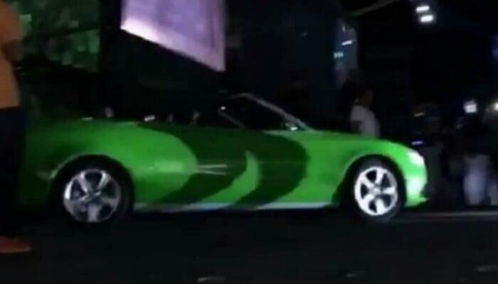 ¡Dentro de un carro convertible! Así entró el hijo de Diomedes Díaz a escenario en Valledupar